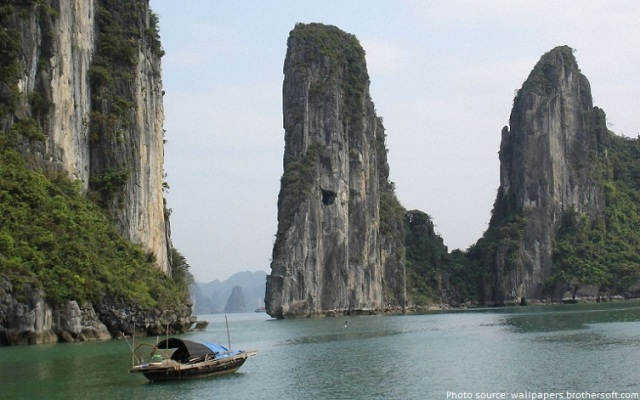 halong-bay-cliffs
