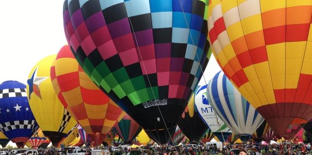 Yuhr-theflyingsquirrelstudio-balloons1848